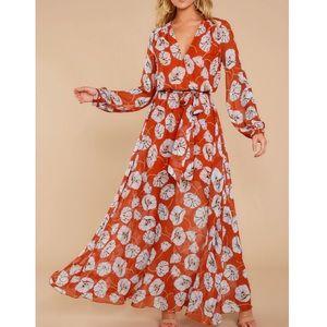 Aakaa | NWT Floral Maxi Dress